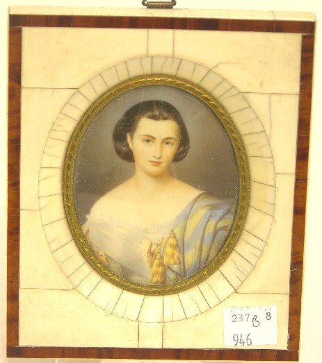 2008: ***CONTINENTAL OVAL MINIATURE PORTRAIT ON IVORY