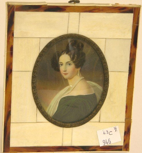 2011: ***CONTINENTAL OVAL MINIATURE PORTRAIT ON IVORY