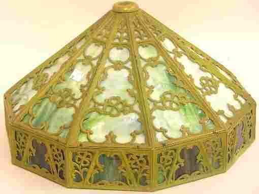 ART NOUVEAU SLAG GLASS TABLE LAMP Fitted with a