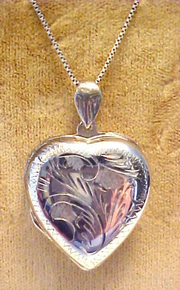 Vintage Engraved Sterling Silver 3 Part Locket & Chain