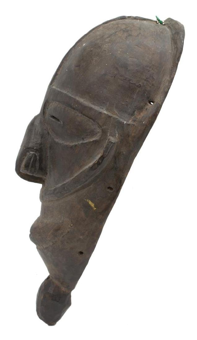 (2) NEW GUINEA CARVED WOOD MASKS, C. 1960-1980 - 6