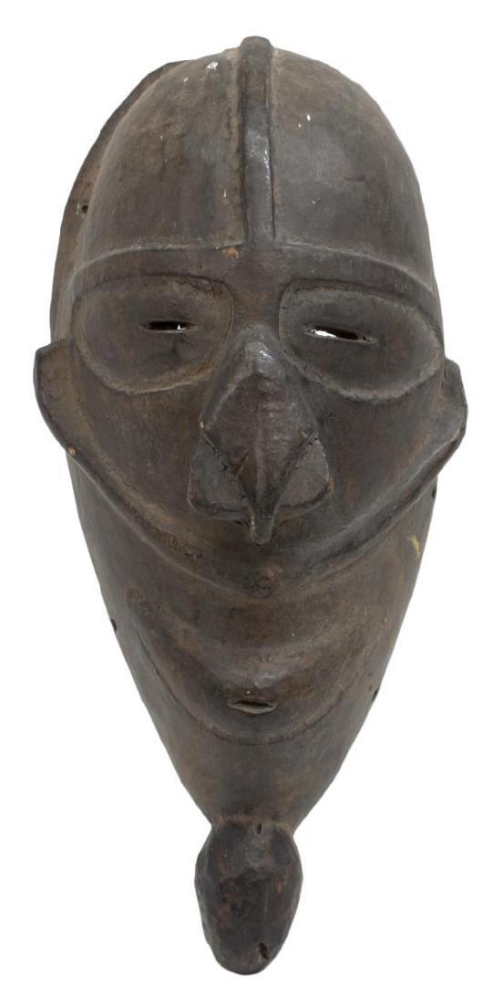 (2) NEW GUINEA CARVED WOOD MASKS, C. 1960-1980 - 8