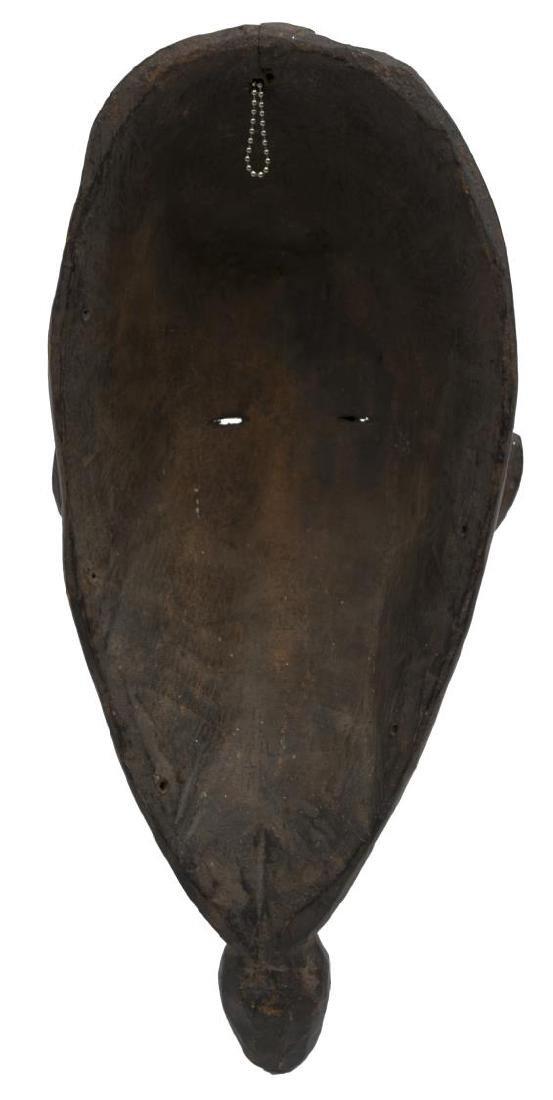 (2) NEW GUINEA CARVED WOOD MASKS, C. 1960-1980 - 9