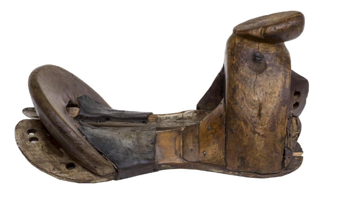 CARVED WOOD MEXICO SADDLE TREE - 4