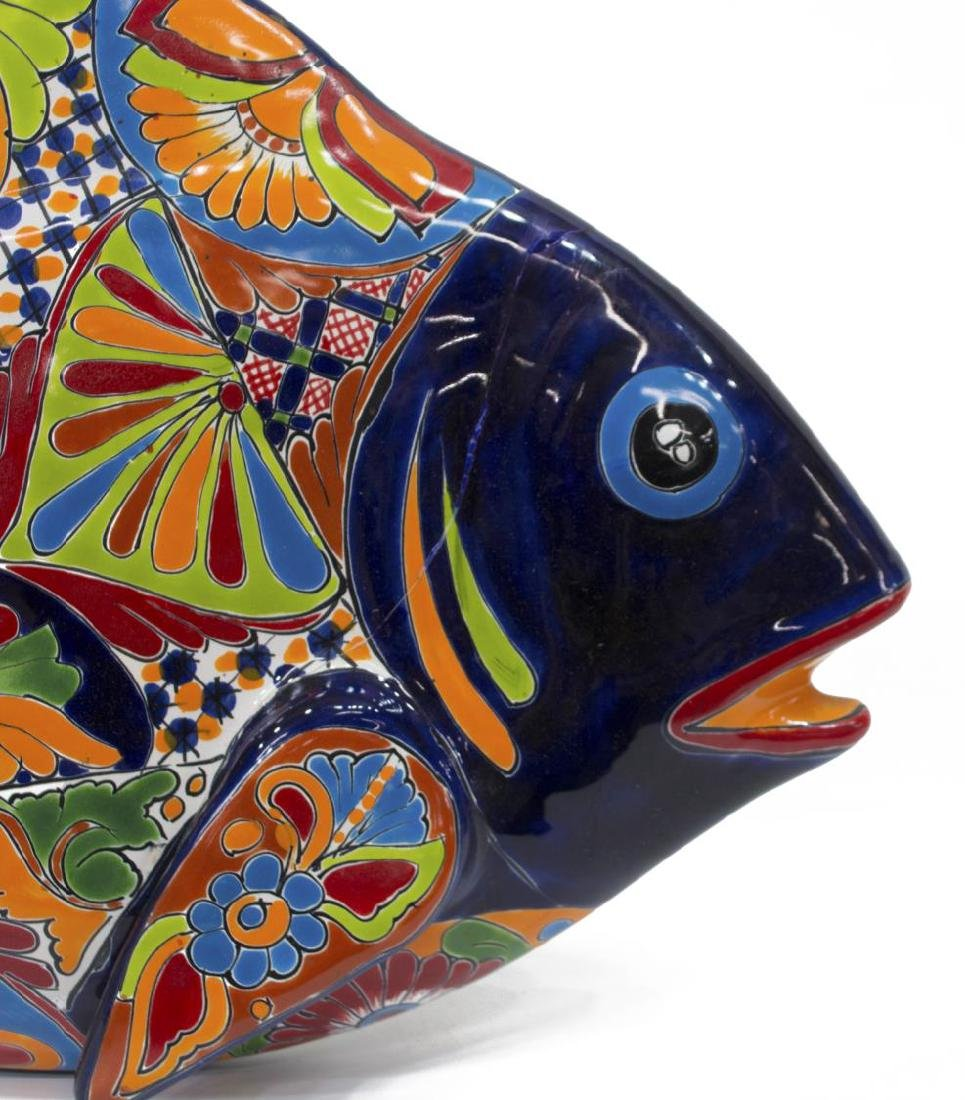(2) MEXICAN TALAVERA ANIMALS FISH PLAQUE & PLANTER - 3