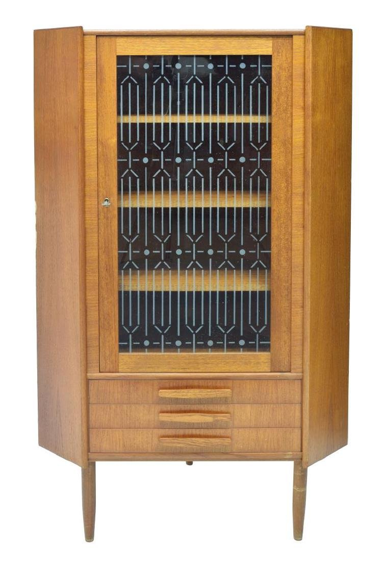 DANISH MID-CENTURY MODERN CORNER CABINET 1960S - 2
