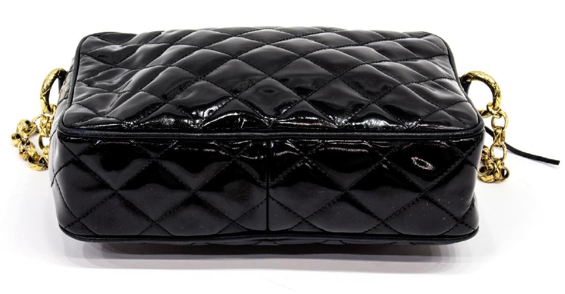 VINTAGE CHANEL BLACK PATENT QUILTED LEATHER BAG - 3