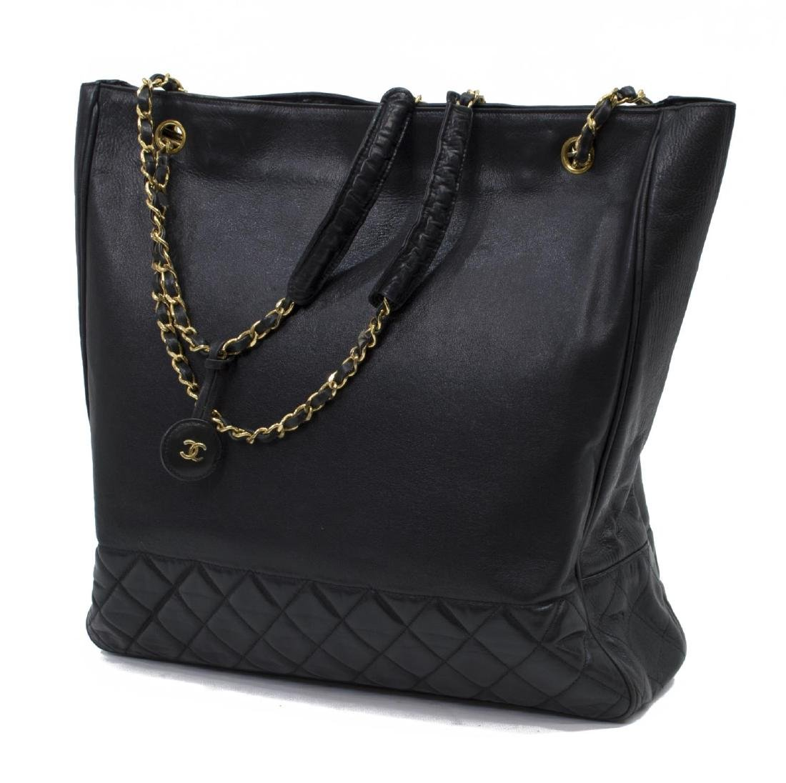 LARGE CHANEL QUILTED SMOOTH BLACK LEATHER TOTEBAG