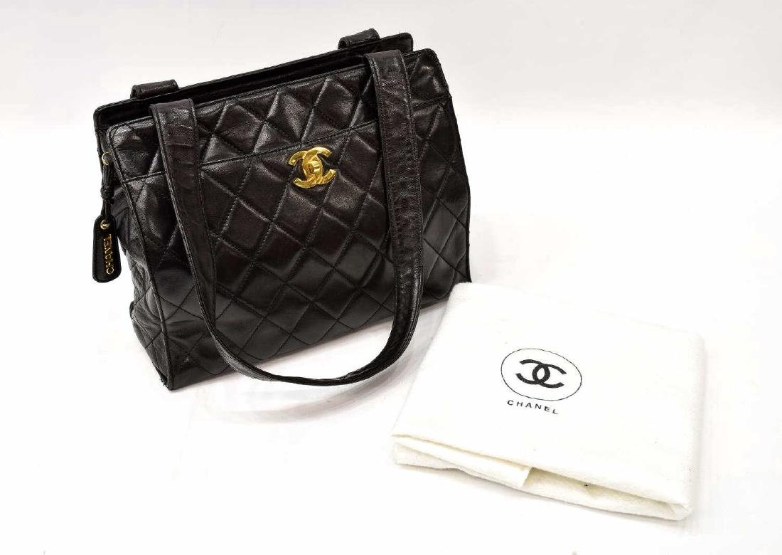 CHANEL QUILTED BLACK LEATHER TOTE BAG - 2