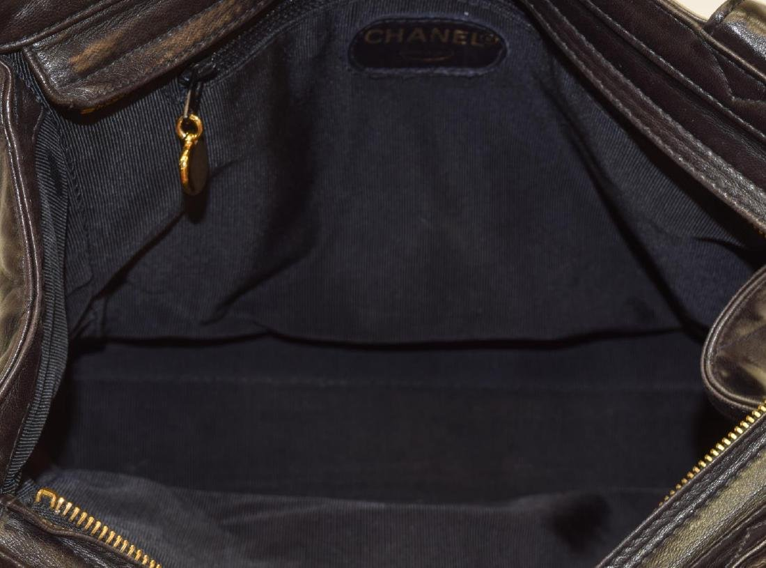 CHANEL QUILTED BLACK LEATHER TOTE BAG - 5