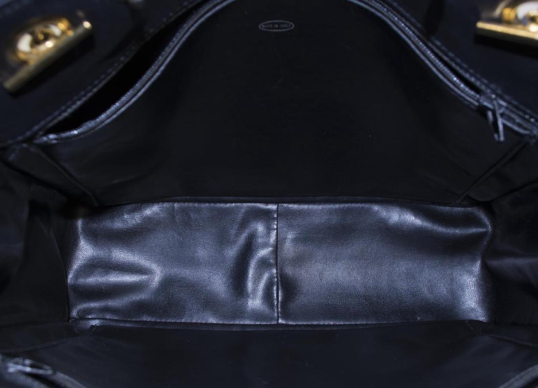 VINTAGE CHANEL BLACK QUILTED LEATHER SHOULDER BAG - 5