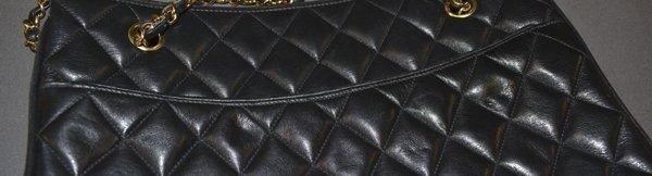 VINTAGE CHANEL BLACK QUILTED LEATHER SHOULDER BAG - 6