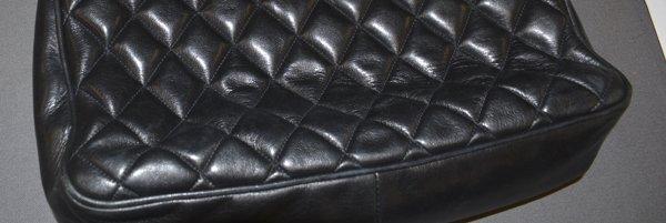 VINTAGE CHANEL BLACK QUILTED LEATHER SHOULDER BAG - 7