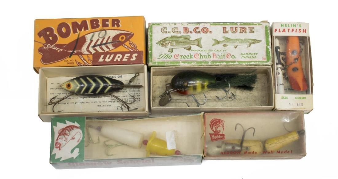 VINTAGE FISHING TACKLE & WOOD TACKLE BOX - 5