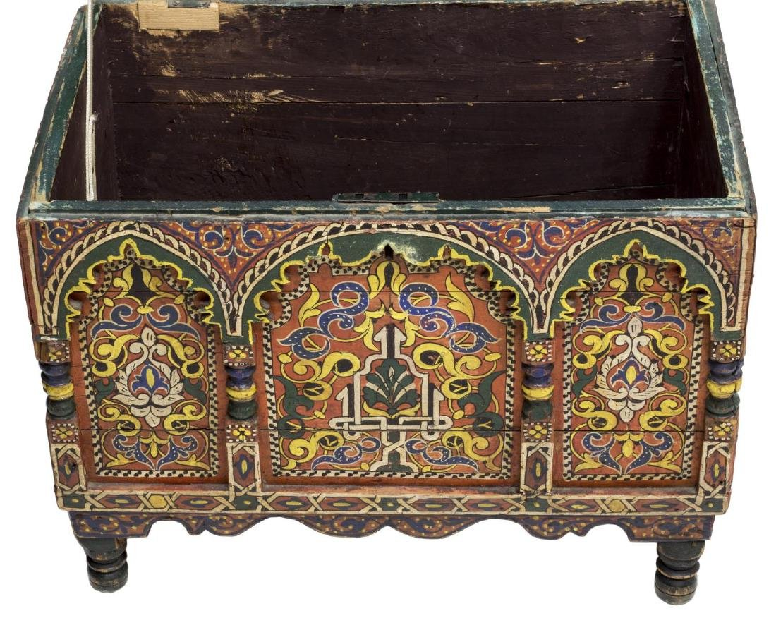 ITALIAN ARABESQUE POLYCHROME BOX, 19TH C. - 4