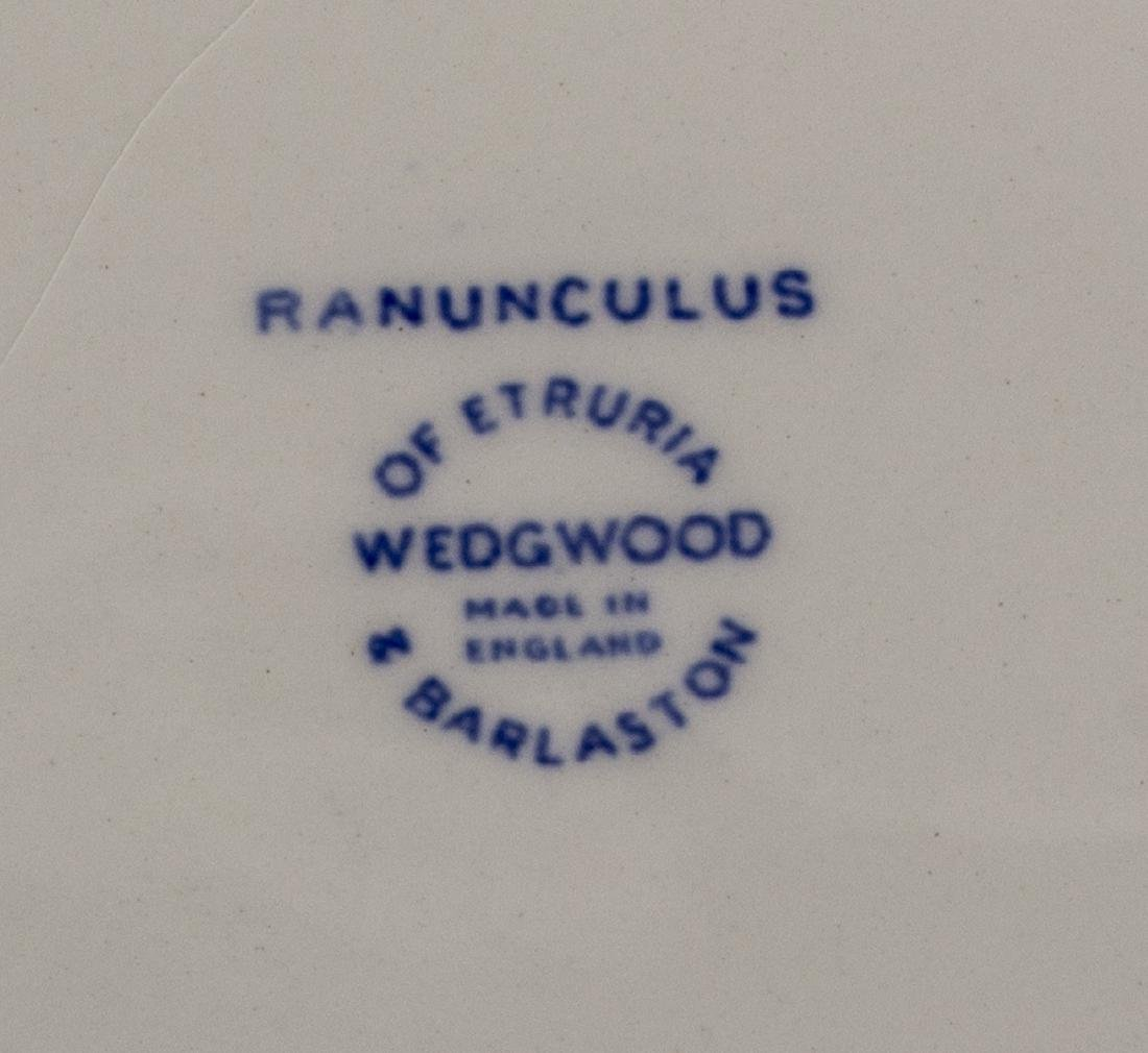 (87) WEDGWOOD 'RANANCULUS' B&W DINNER SERVICE - 6
