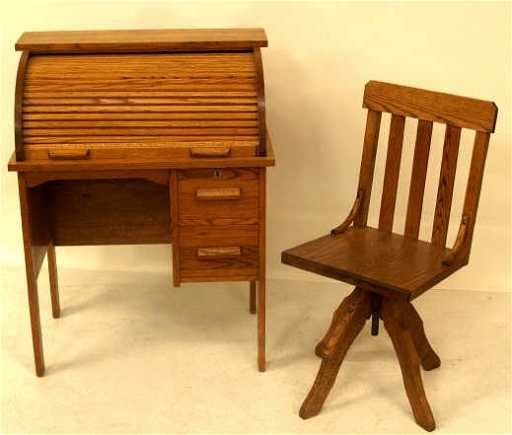 - 416: ANTIQUE OAK MATCHING CHILDS ROLL TOP DESK & CHAIR