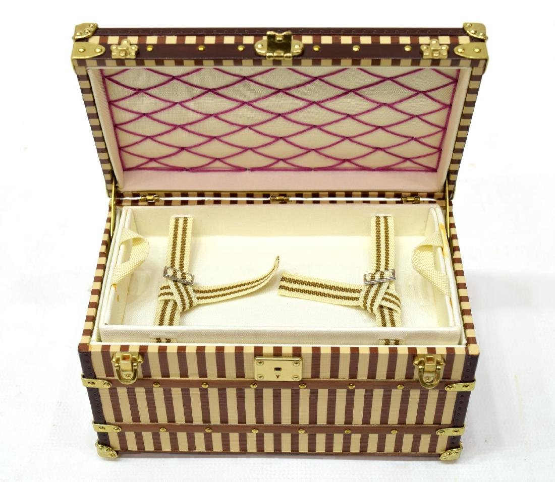 LOUIS VUITTON MALLE COURRIER TRUNK PAPERWEIGHT - 5