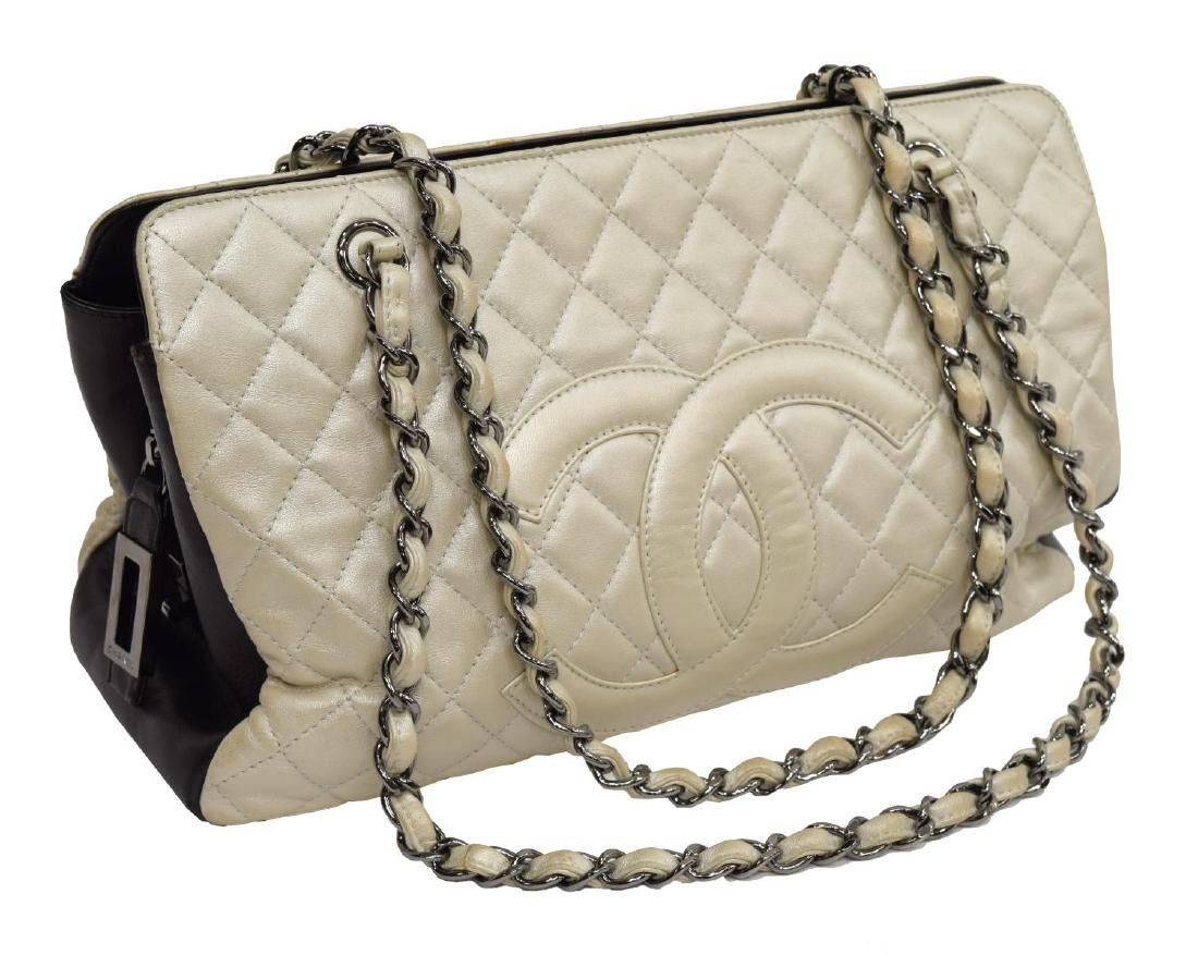 CHANEL METALLIC IVORY QUILTED LEATHER PURSE