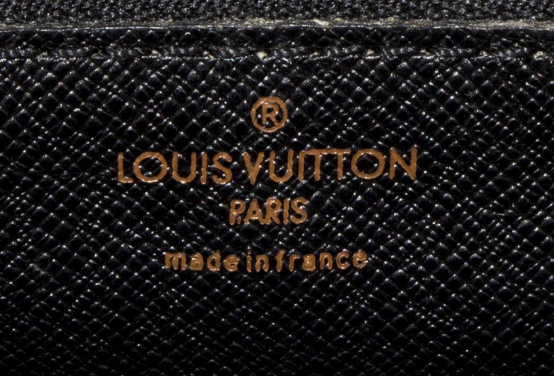 LOUIS VUITTON GREEN EPI TROCADERO SHOULDER BAG - 5
