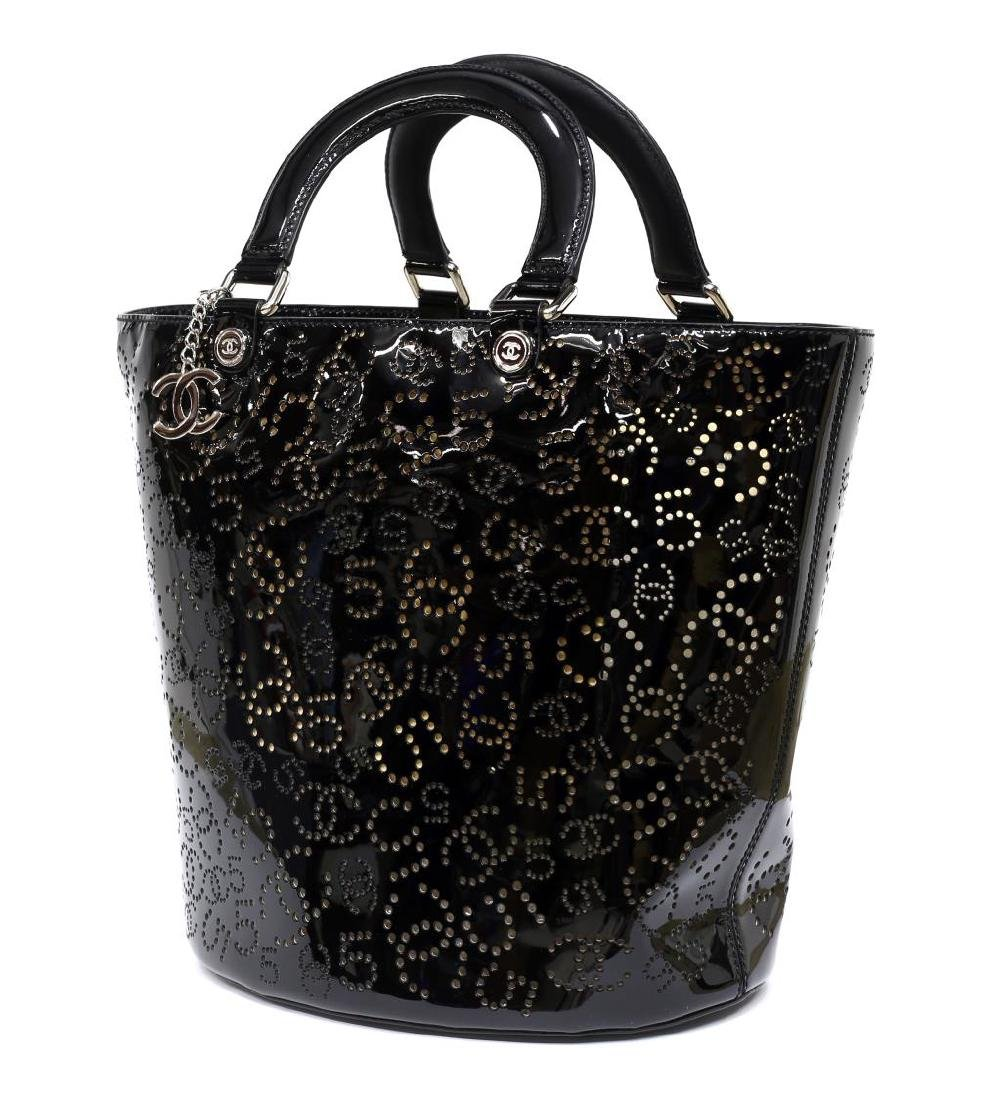 CHANEL PERFORATED BLACK PATENT LEATHER TOTE BAG