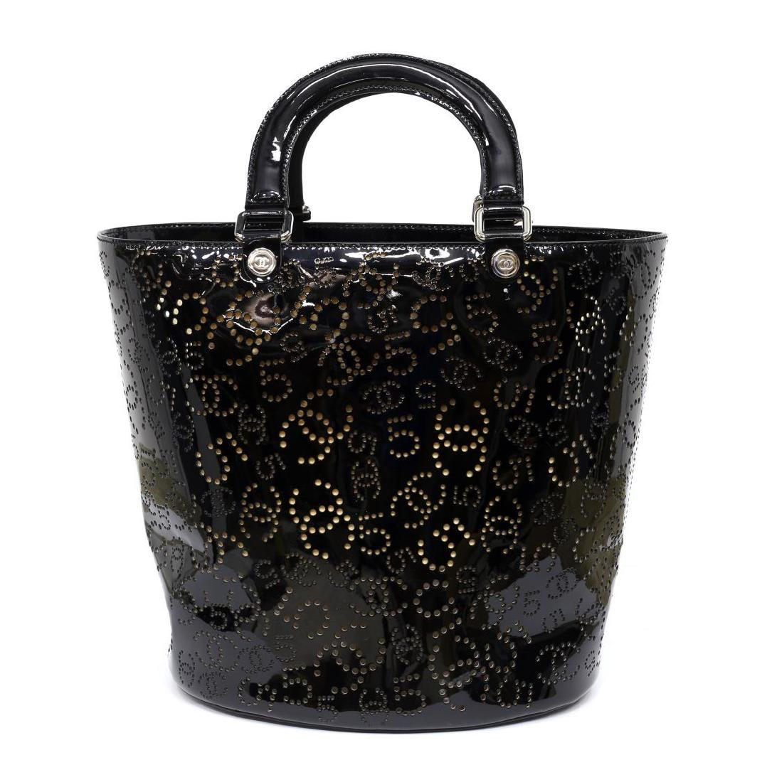 CHANEL PERFORATED BLACK PATENT LEATHER TOTE BAG - 2