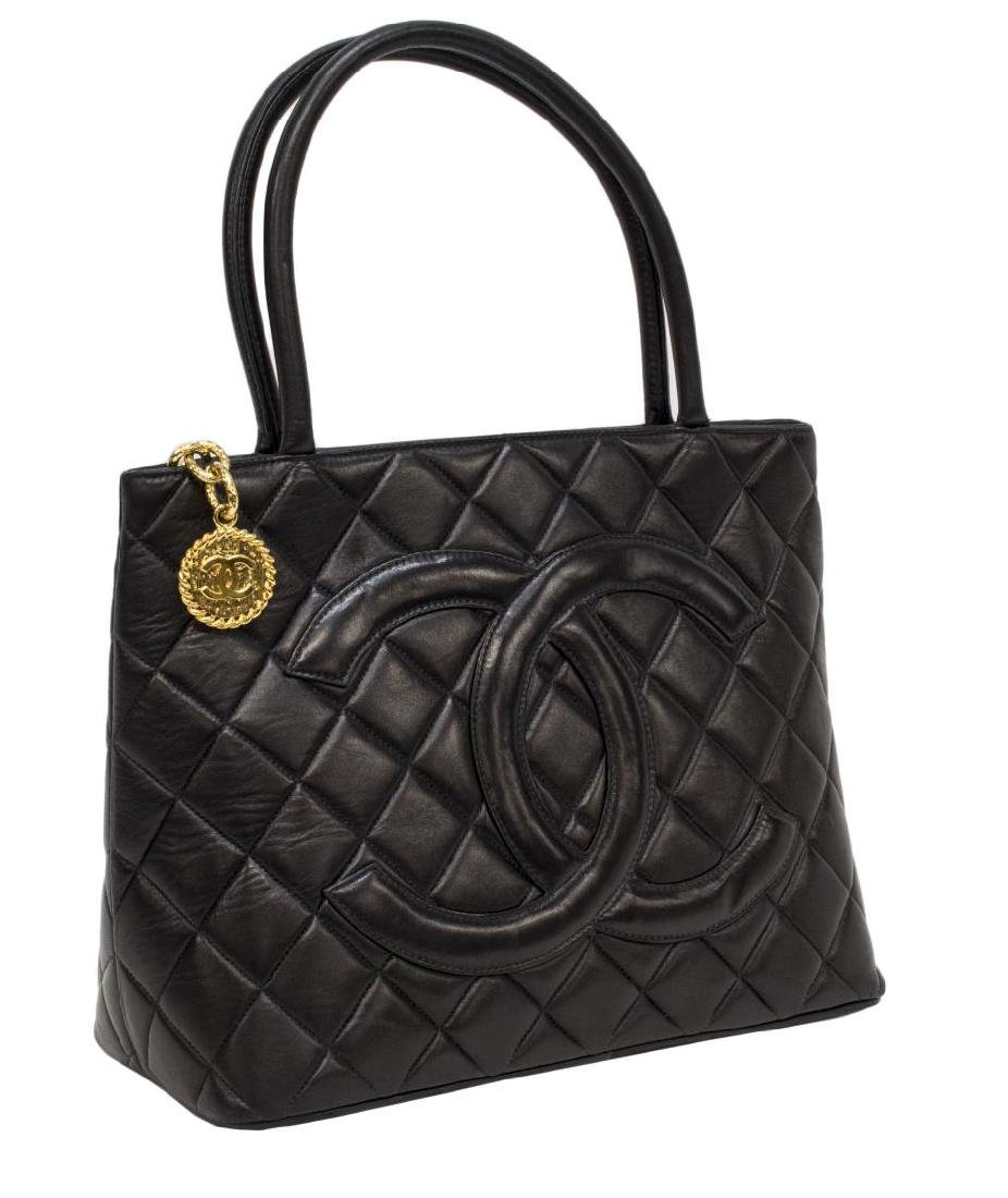 CHANEL QUILTED BLACK LEATHER 'MEDALLION' HANDBAG