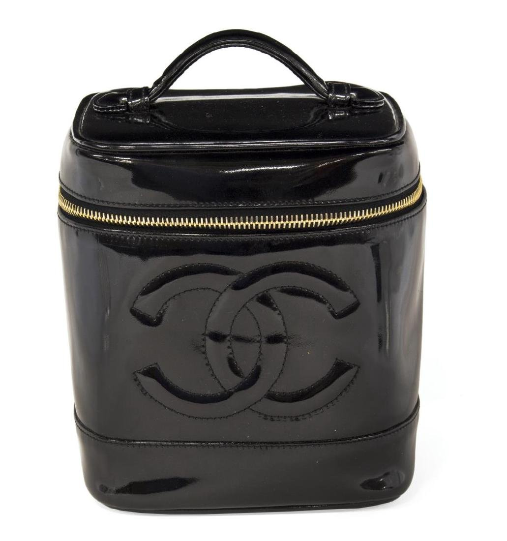 CHANEL BLACK PATENT LEATHER COSMETIC BAG - 2