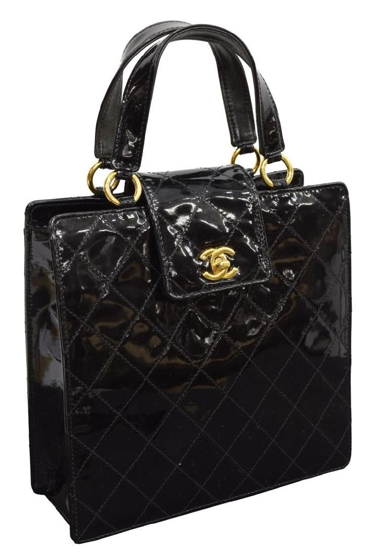 CHANEL QUILTED BLACK PATENT LEATHER HANDBAG