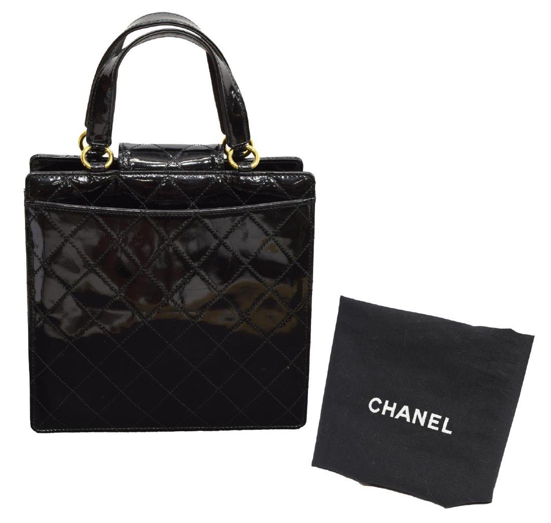 CHANEL QUILTED BLACK PATENT LEATHER HANDBAG - 2