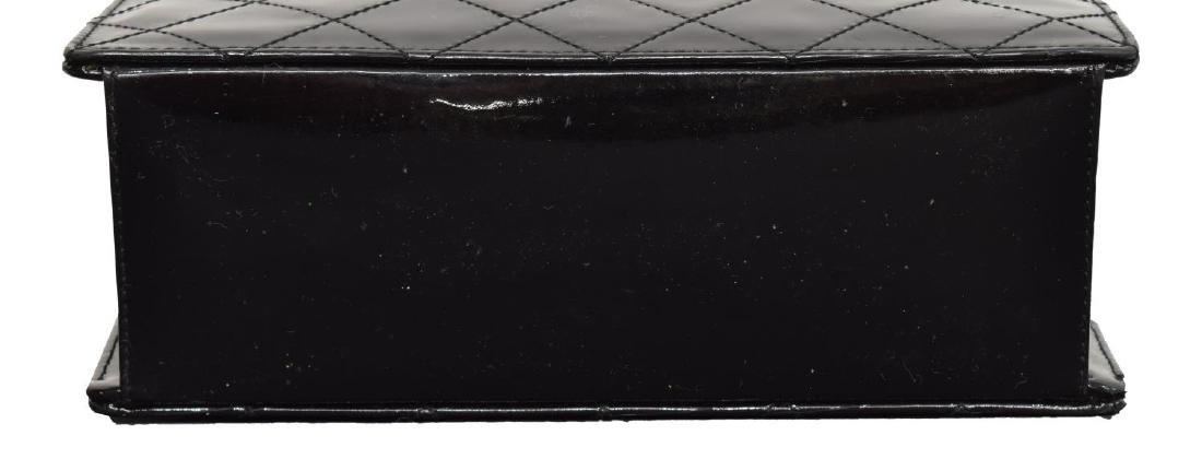 CHANEL QUILTED BLACK PATENT LEATHER HANDBAG - 3