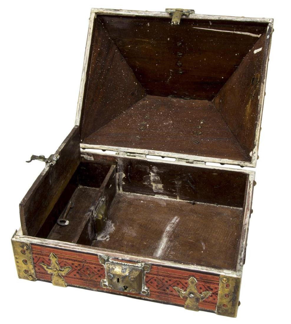 ANTIQUE ARABESQUE & BRASS MOUNTED TABLE BOX, INDIA - 3
