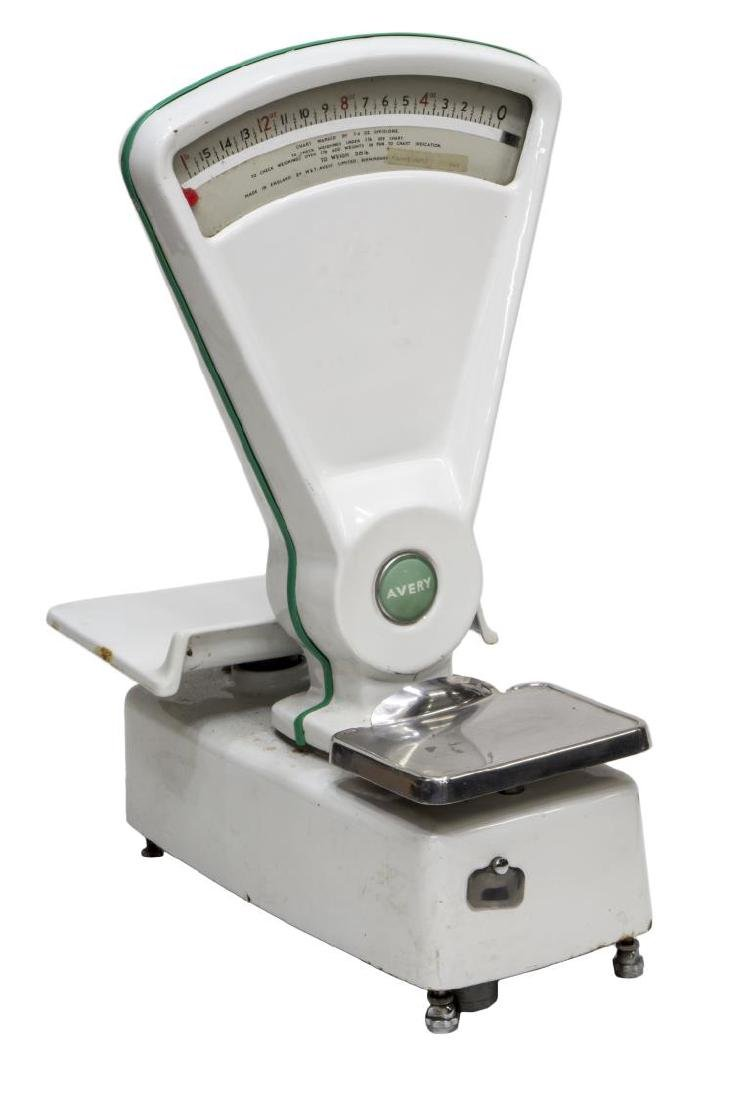 ENGLISH AVERY WHITE AND GREEN SHOP COUNTER SCALE