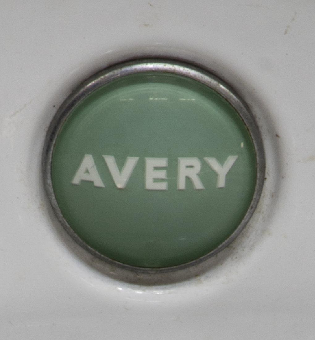 ENGLISH AVERY WHITE AND GREEN SHOP COUNTER SCALE - 3
