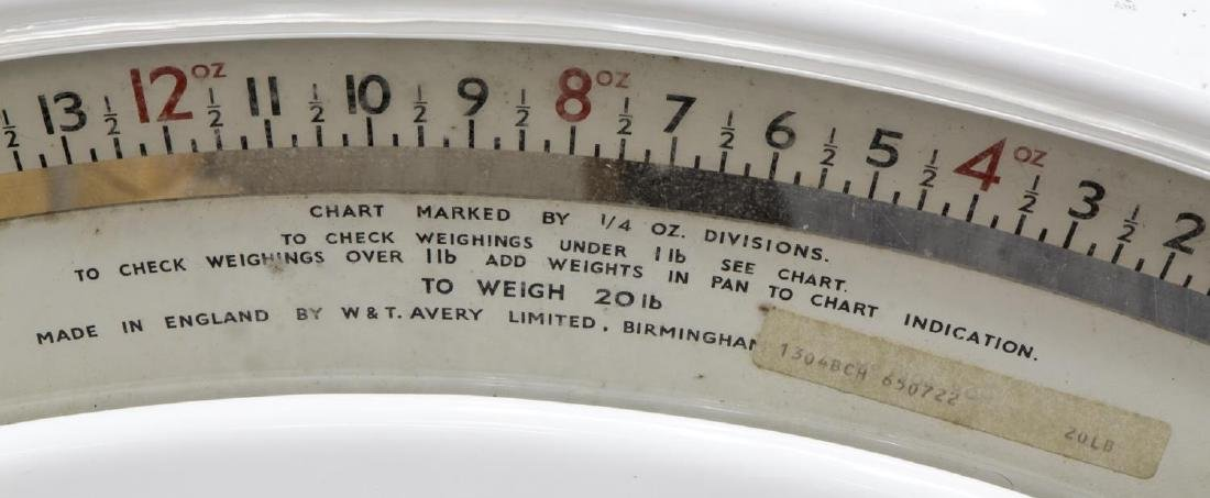 ENGLISH AVERY WHITE AND GREEN SHOP COUNTER SCALE - 4