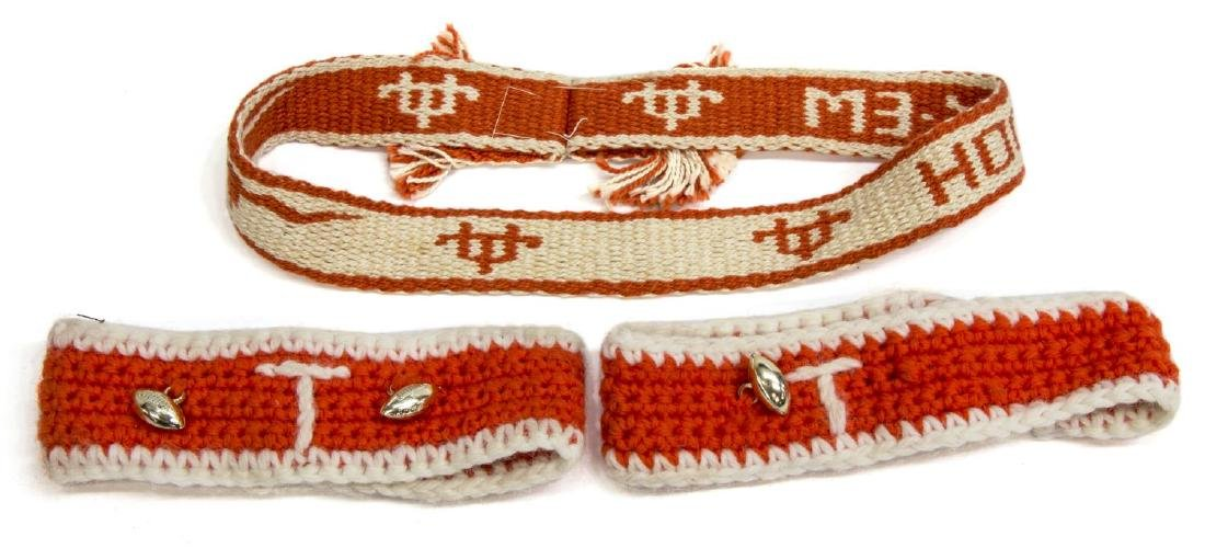 (5) VINTAGE UNIVERSITY OF TEXAS ACCESORIES - 5