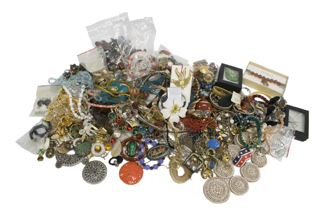 HUGE COLLECTION COSTUME & UT JEWELRY - 2