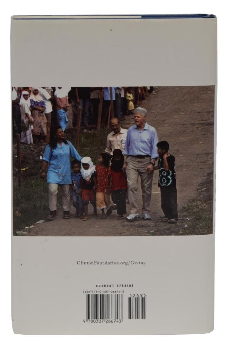 """AUTOGRAPHED BOOK: """"GIVING"""", BILL CLINTON - 2"""