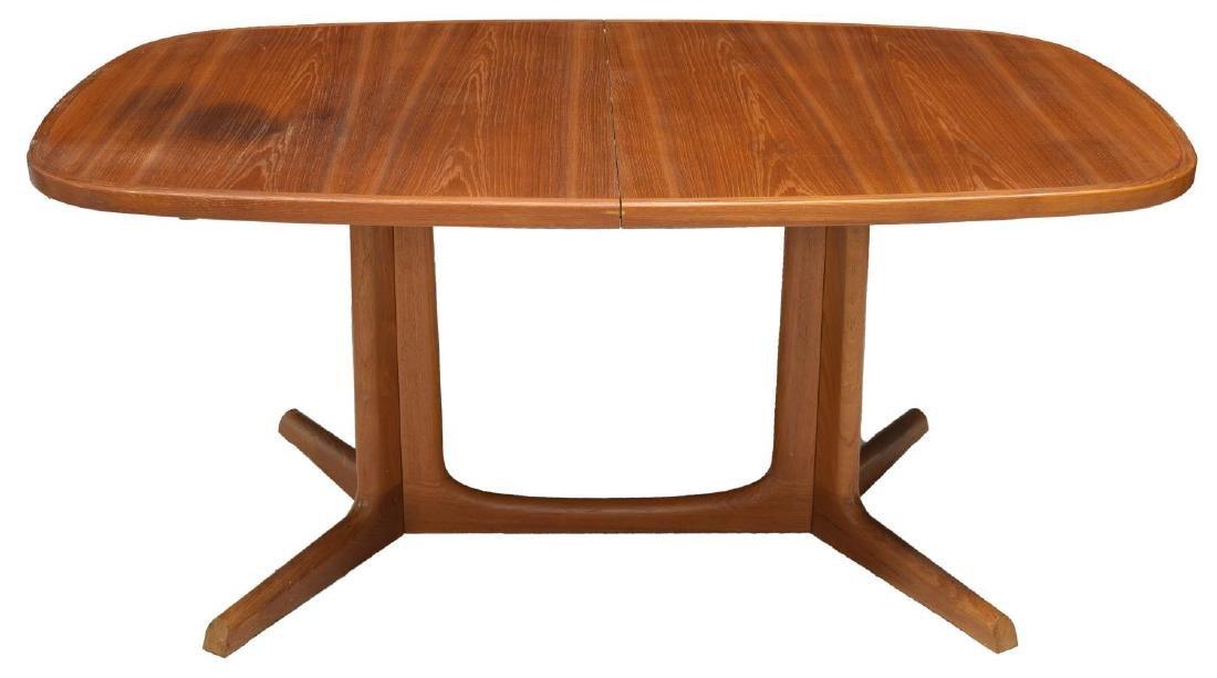 DANISH MID-CENTURY TEAKWOOD DINING TABLE W/ LEAVES - 3
