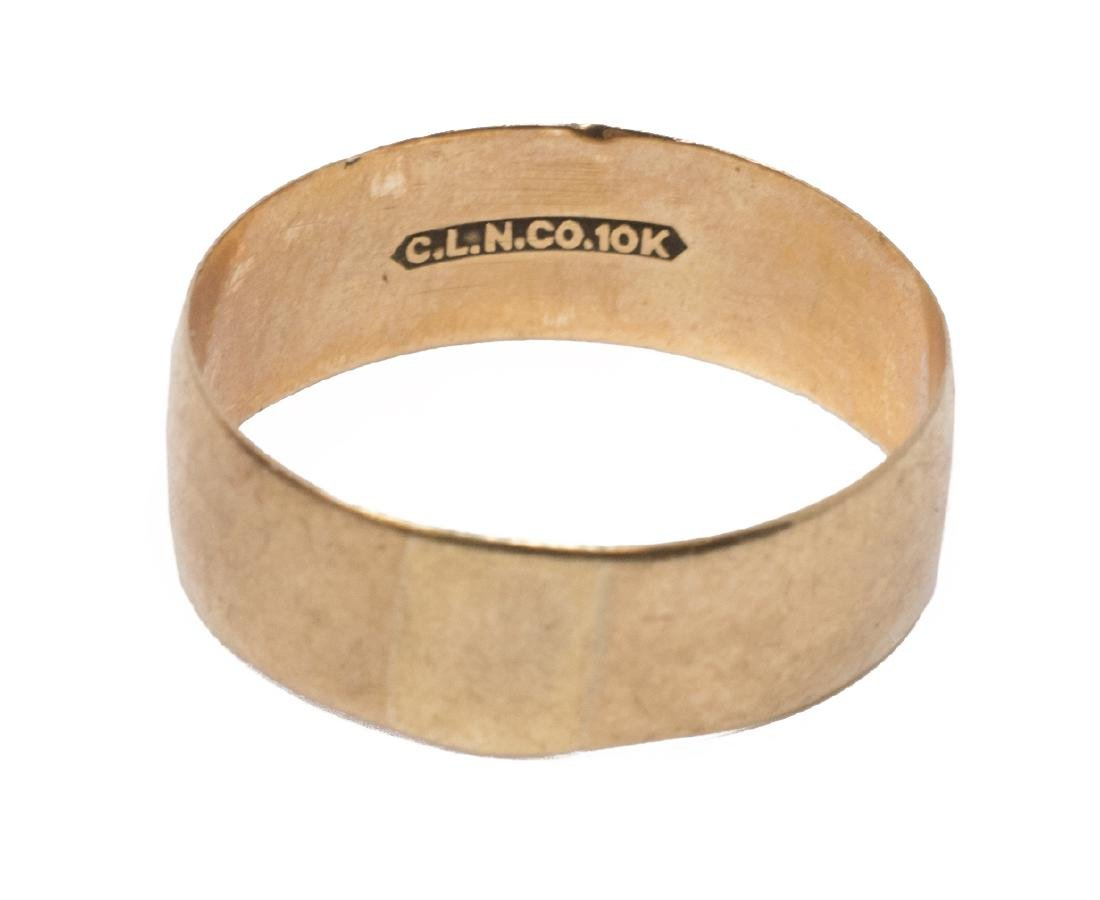 (3) ANTIQUE ESTATE GOLD RING GROUPING - 5