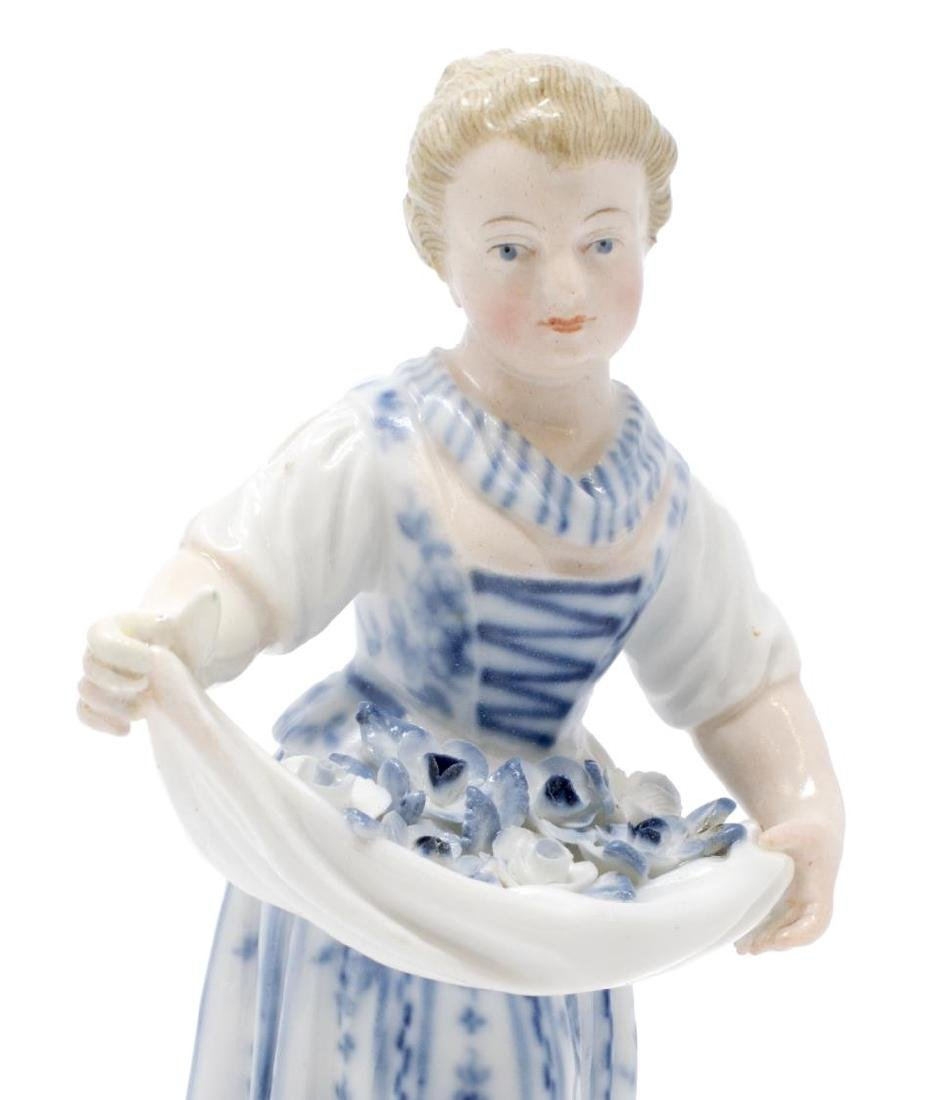 (2) PORCELAIN FEMALE FIGURES WOMAN IN SEDAN CHAIR - 4