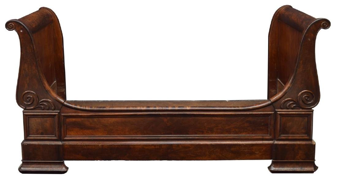 FRENCH BURLED MAHOGANY ALCOVE OR DAY BED