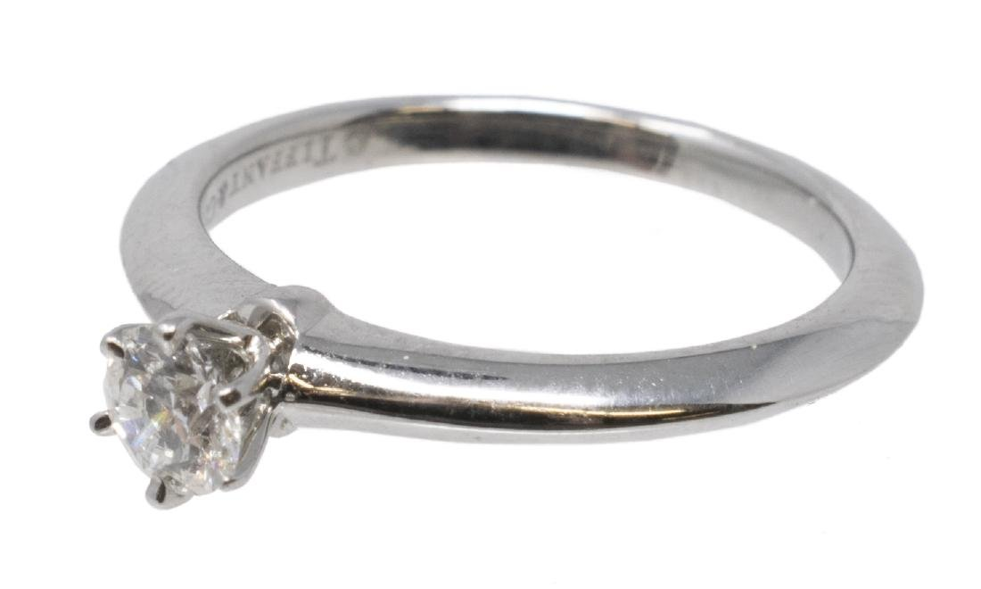 TIFFANY & CO PLATIN 0.23 CT DIAMOND SOLITAIRE RING