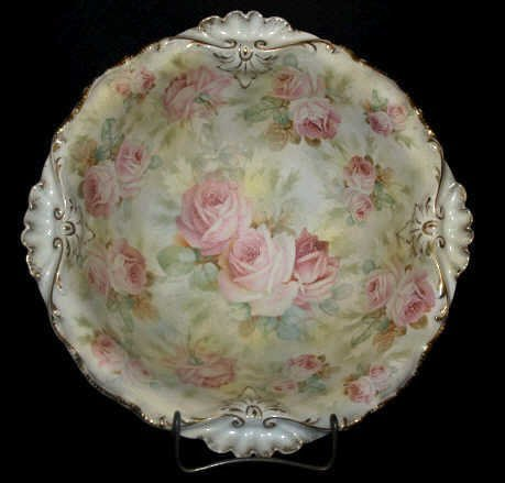 708: LARGE ROYAL BAYREUTH ROSE TAPESTRY BOWL