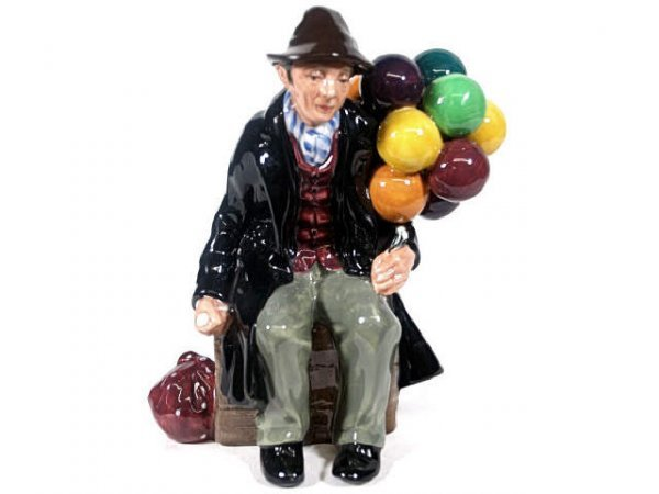 722: ROYAL DOULTON THE BALLOON MAN HN 1954
