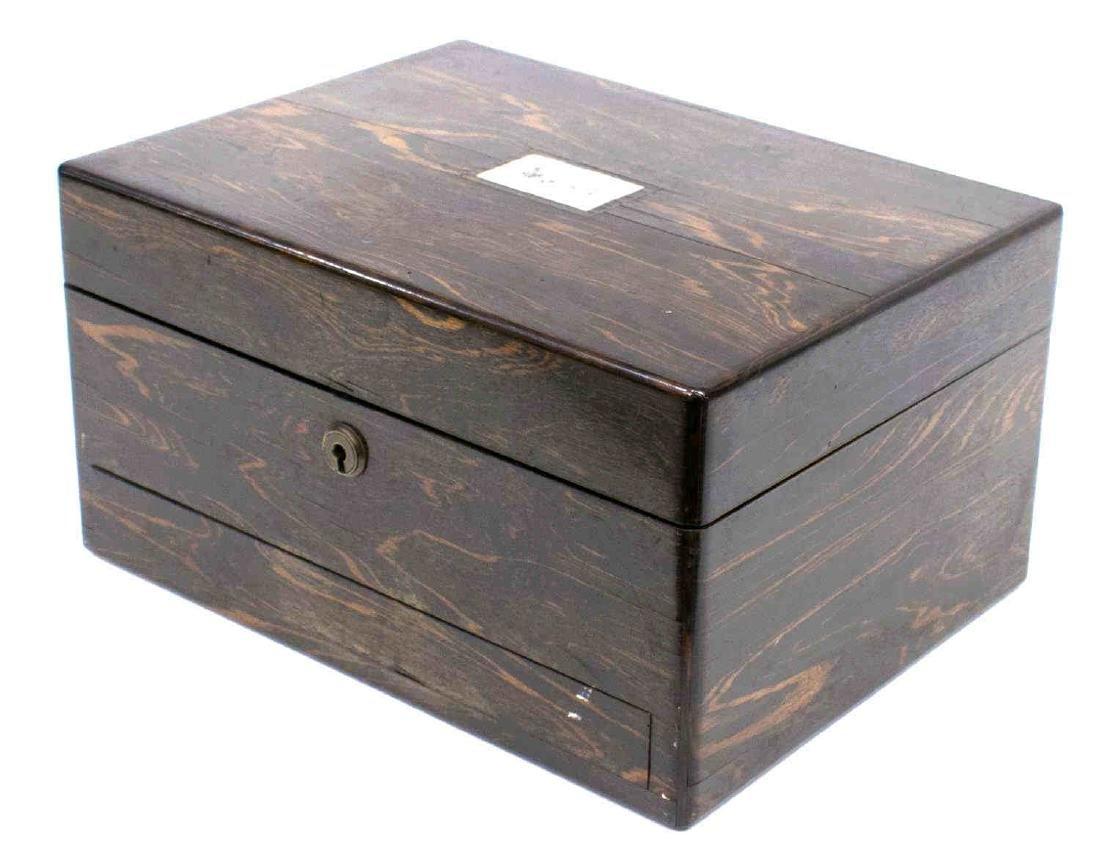 LATE VICTORIAN ENGLISH ROSEWOOD WORK BOX