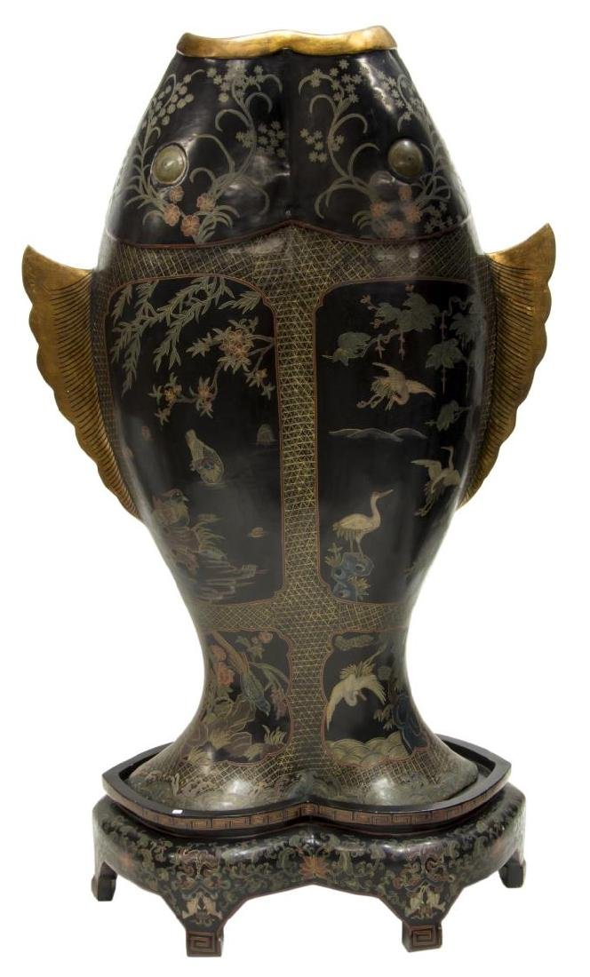 LARGE BLACK LACQUER DOUBLE FISH ABUNDANCE VASE - 2