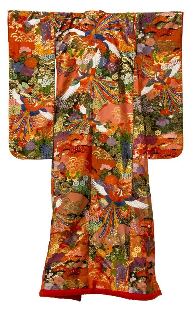 JAPANESE SILK EMBROIDERED KIMONO, 20TH C. - 4