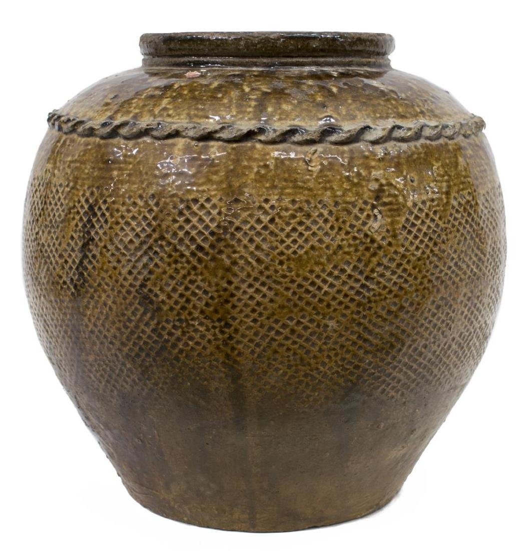 LARGE ANTIQUE CHINESE EARTHENWARE WINE JAR