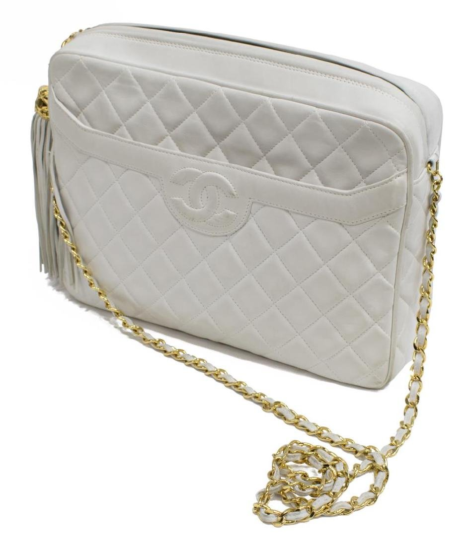 CHANEL 'CAMERA' WHITE QUILTED LEATHER TASSEL BAG